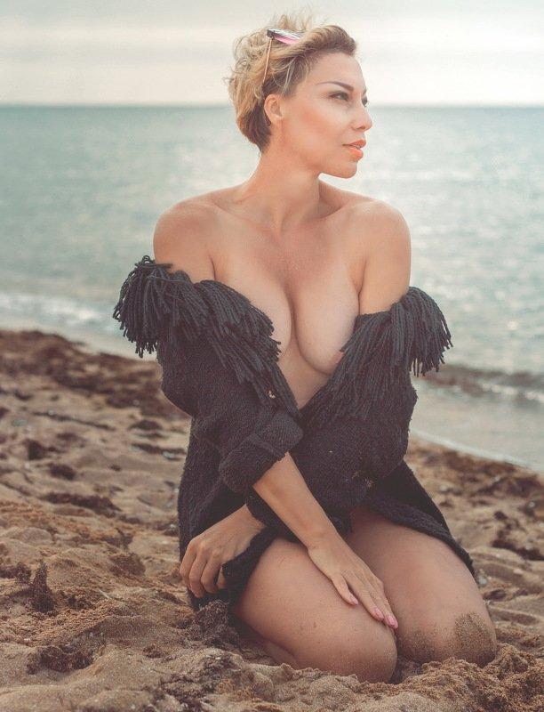 море песок девушка лето Море которое манит ...photo preview