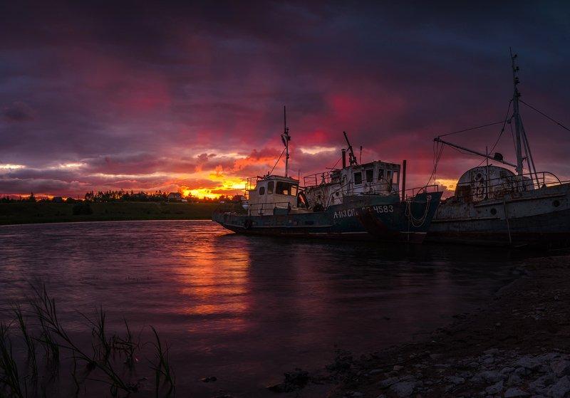 порт,река, вечер, лето, закат Портphoto preview