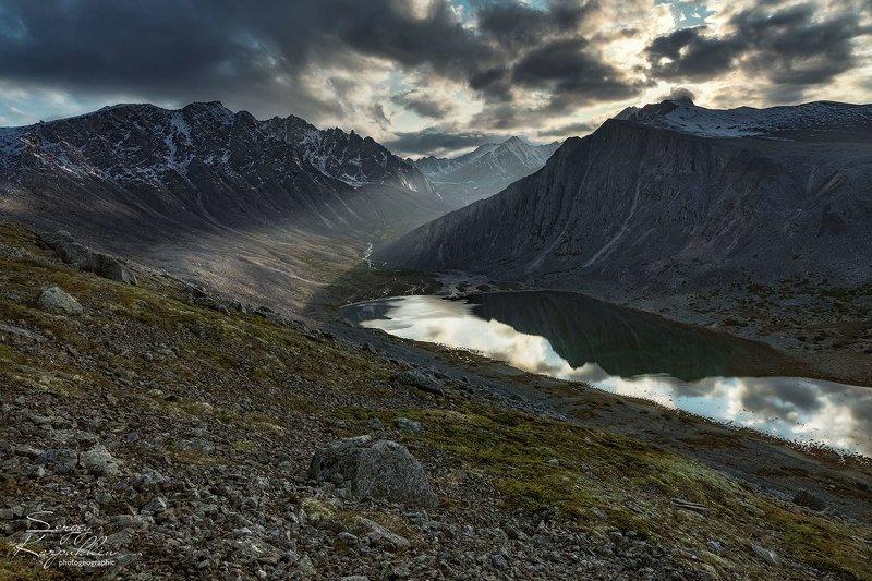 колыма, горы, магаданская область Озеро Фотографовphoto preview