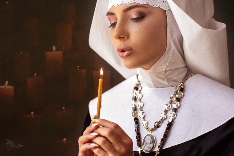 Монахиняphoto preview