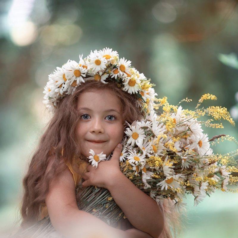 ромашки лето букет венок девочка счастье летоphoto preview