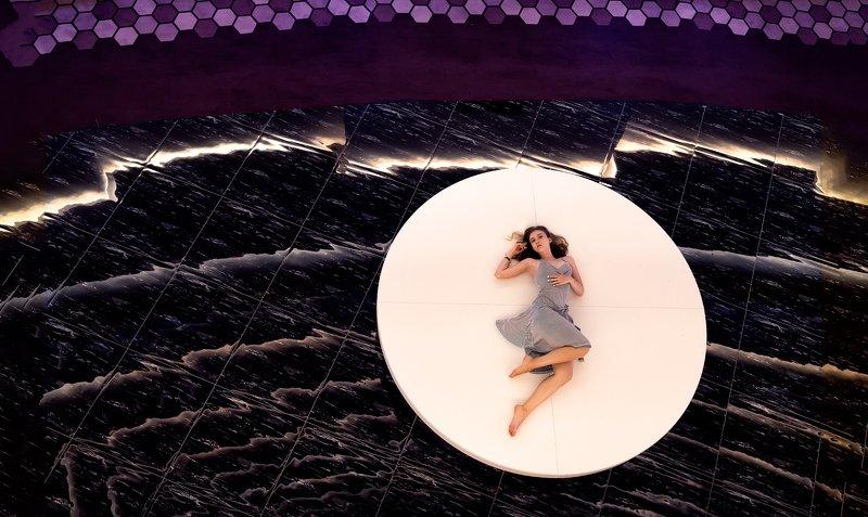 таблетка, девушка, девочка, ракурс, композиция, бесконечность, круг, красота, красивая, платье, фиолетовый, длинные волосы, вид сверху Моя таблетка от всех болезнейphoto preview