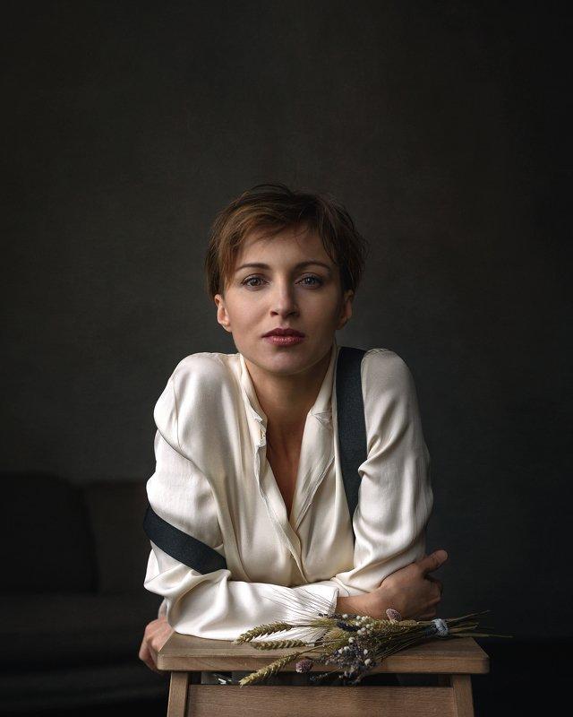 портрет, женский портрет, портрет в студии Светаphoto preview