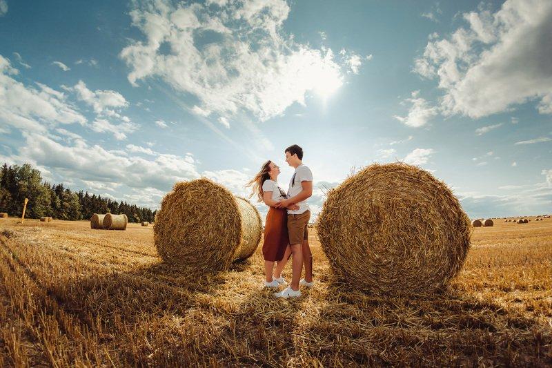 лето, сено, поле, солнце, небо, любовь, семья ....photo preview