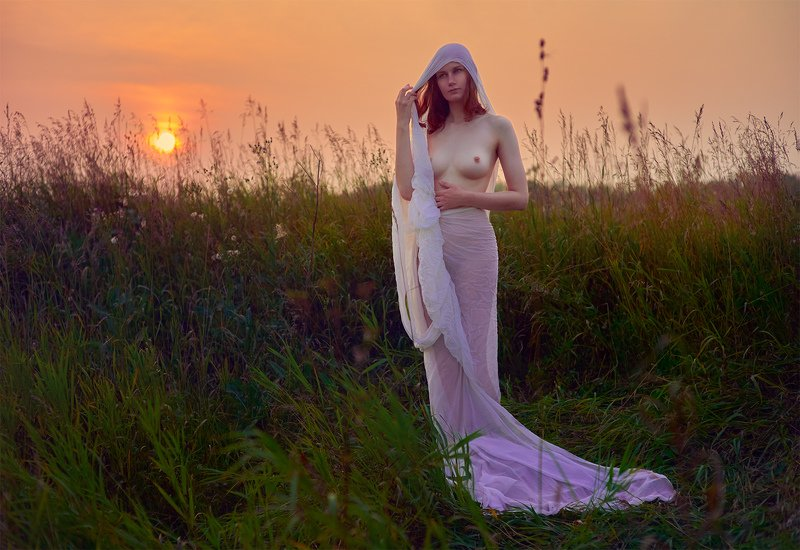 outdoors, , people, , nature, , day, , one, person, , side, view, , field, , standing, , sky, , summer, , wind, , grass, , tranquil, scene, , girl, , sun, , sundown, , sunlight, , sunny, , sunrise, , sunset, , sunshine, , beautiful, , beauty, , beauty, in photo preview