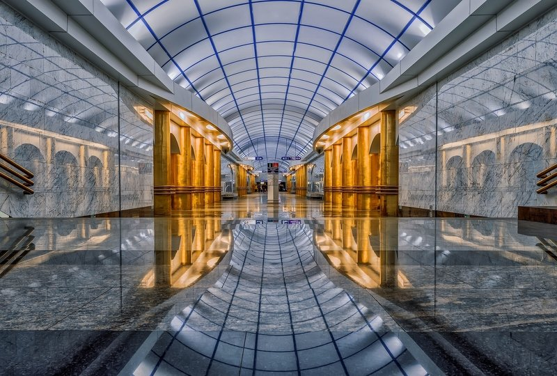 город,метро,станция,интерьер,архитектура,блеск,отражения Станция метро. фото превью