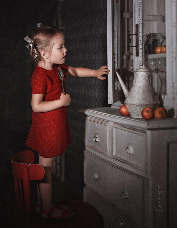 девочка, дети, фото, мультфильм ,иллюстрация, образ, винтаж, ретро Девочка и вареньеphoto preview