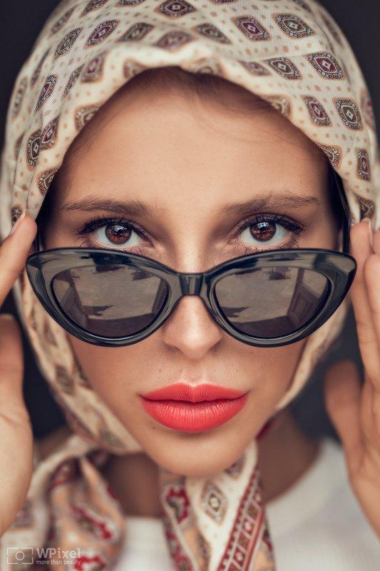 portrait women eyes brunette eyewear women by wpixel (More Than Beauty)photo preview