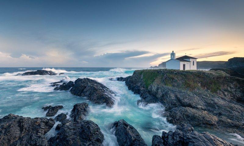 Церковь Ermida Virxe do Porto. Север Испании. Церковь Ermida Virxe do Porto. Север Испании.photo preview
