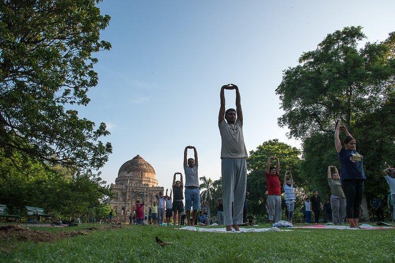 yoga delhi street report india Morning Yogaphoto preview