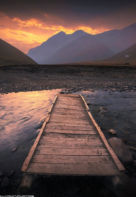 Вид на высочайшую точку Азербайджана и Дагестана - гору Базардюзю 4466 мphoto preview
