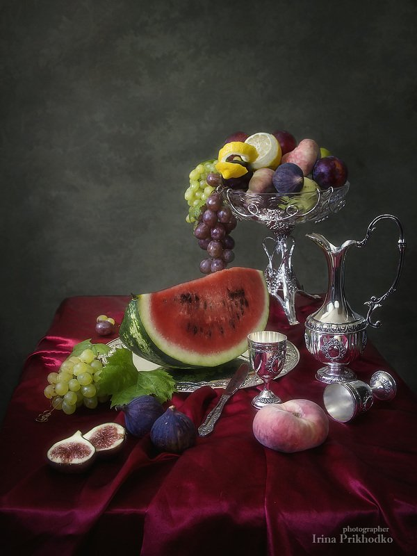 натюрморт, винтажный фруктовый, арбуз. инжир Натюрморт арбузом и инжиромphoto preview