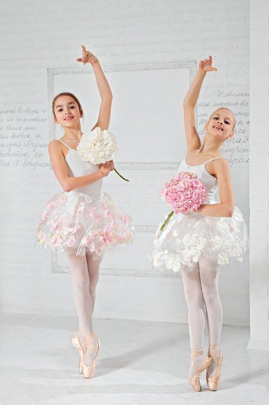 дети, портрет, флористика, цветы Юные балериныphoto preview