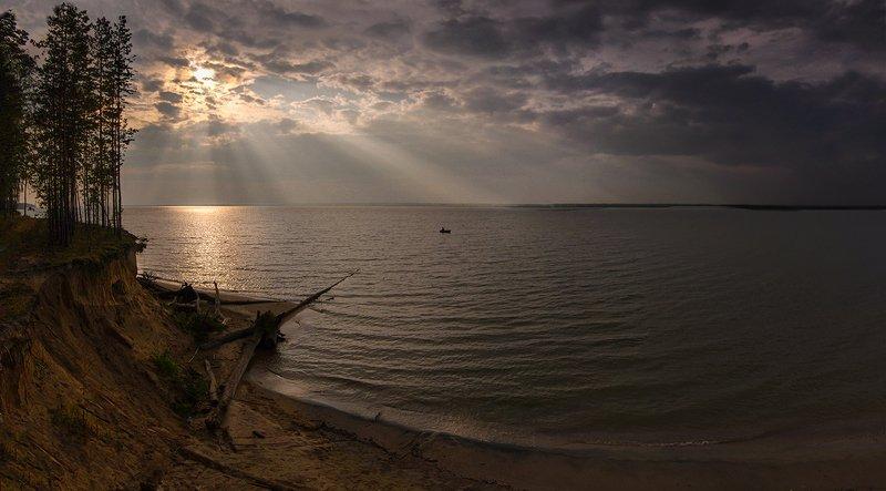 рыбалка, море, река, вода, вечер, закат, солнце, свет, рыбак Рыбалка на закатеphoto preview