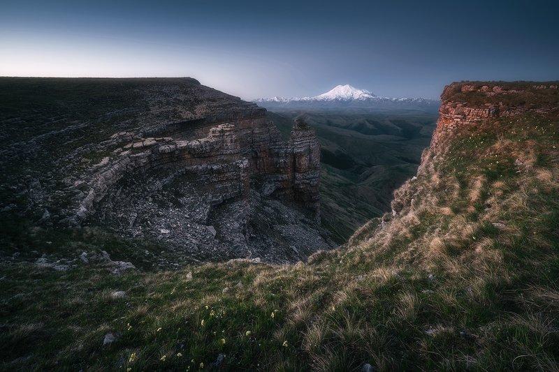 рассвет, горы, плато, кавказ, пейзаж, карачаево-черкесия, бермамыт, эльбрус Молчаливые амфитеатры Бермамытаphoto preview