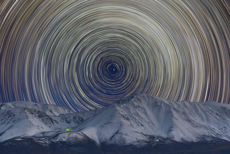 алтай, звёздные треки, ночь, горный алтай Вид на Северо-Чуйскийphoto preview