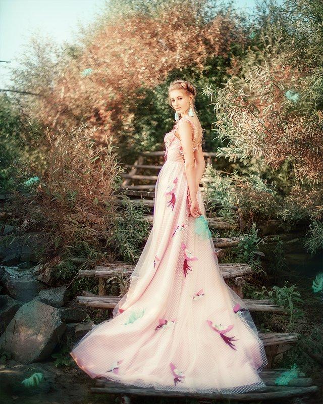 девушка, блондинка, птица, лето, сказка, платье, портрет, portrait, bird, outdoor, blondhair, blond, pink, summer photo preview