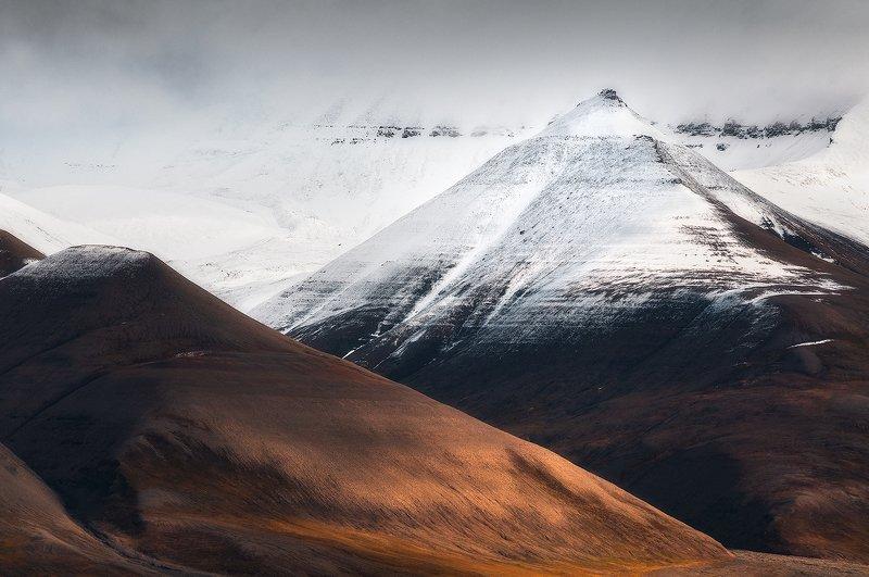 svalbard, spitsbergen, northnorway, islands, polar, arctic, summer Crystal Pyramidphoto preview