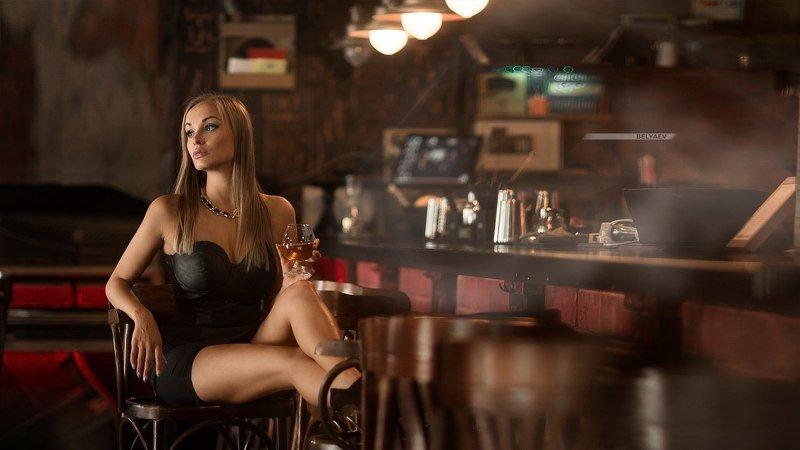 woman, bar, dark Olesyaphoto preview