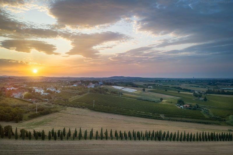 италия, квадрокоптер, дрон Вечер в Эмилии-Романьеphoto preview