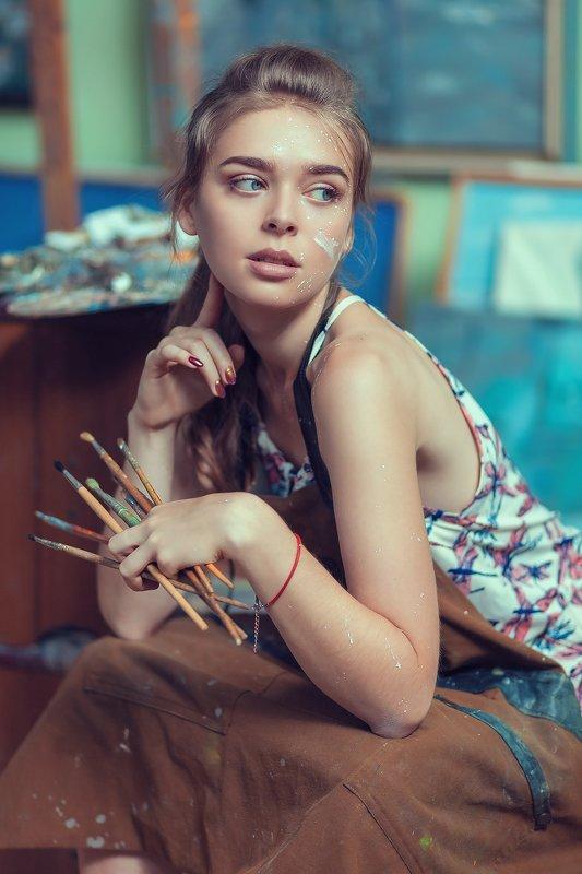 портрет, постановочная фотография, художница, артфото, гламур, художественная фотография, фотограф тягушова, девушка, Художницаphoto preview