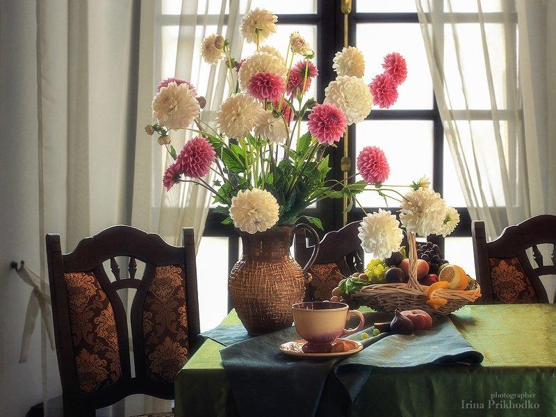 натюрморт, цветочный, винтажный, интерьер, георгины, букет, фрукты Прощание с летомphoto preview