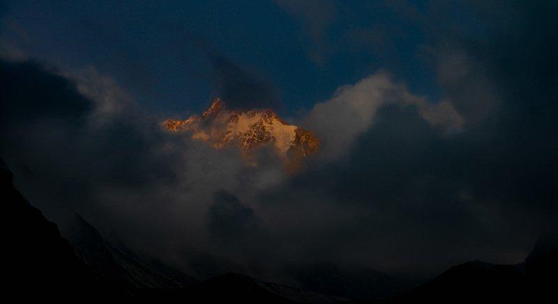 Уллуауз на закате. Безенги. фото превью