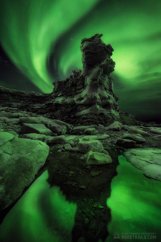 кольский, кольский полуостров, рыбачий, рыбачий полуостров, северное сияние, полярное сияние, север Полярный быкphoto preview