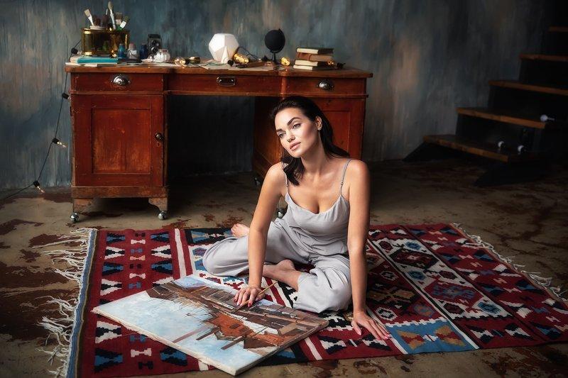 Модель, картина, художница Ярослава фото превью