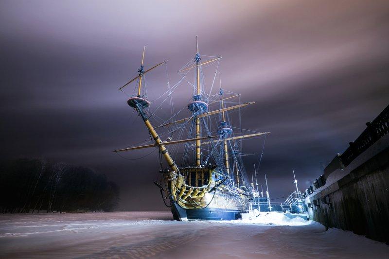 night nightscape cityscape mist ship winter ночь город туман корабль зима Painted sky and mist aroundphoto preview