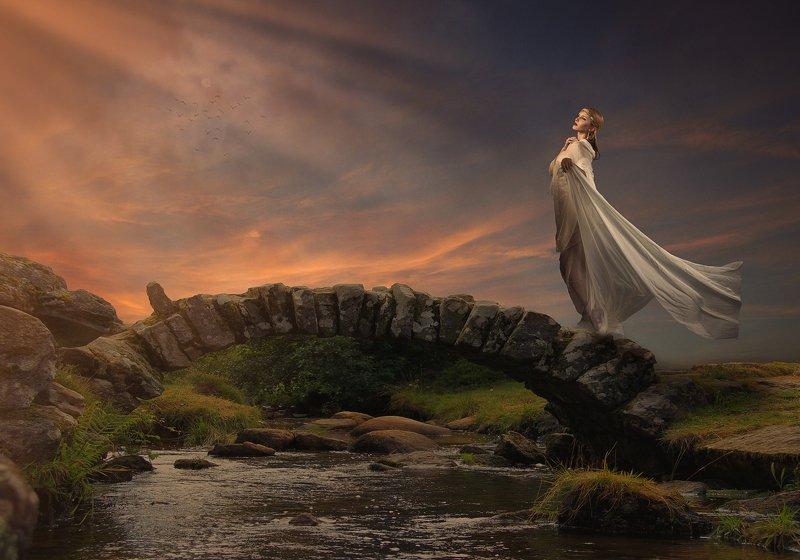 мост, девушка, облака, закат Ярославна фото превью
