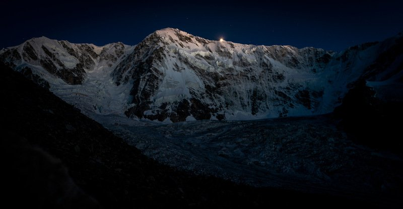 Шхара и Безенгийский ледник . фото превью