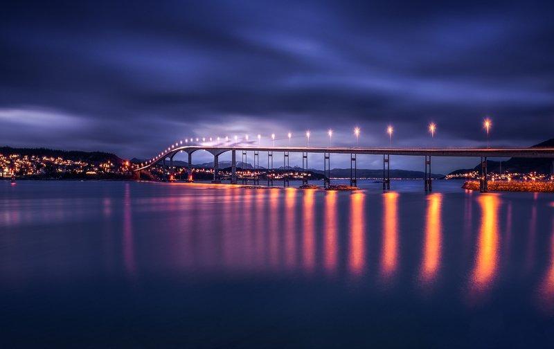 Night landscape  Bridge of Lifephoto preview