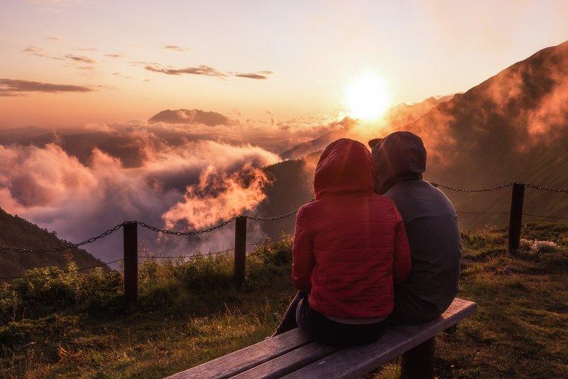 Сочи, горы, пейзаж, Красная Поляна, Бзерпский карниз, горы, лето, облака Любовь выше облаковphoto preview