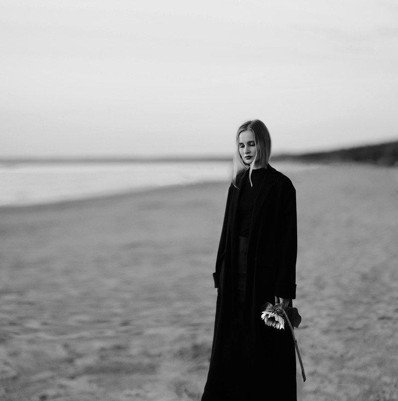 море, чб, пляж, портрет Августphoto preview