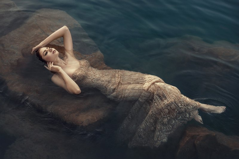 девушка в воде, портрет, постановочная фотография, фото в воде, артфото, гламур, художественная фотография, фотограф тягушова, девушка, In the dark watersphoto preview