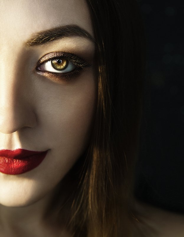 половина, лицо, глаз, женщина, девушка, свет Марияphoto preview