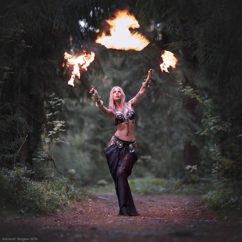 девушка,огонь,арт,фото-арт,настроение,страсть Укрощение огняphoto preview