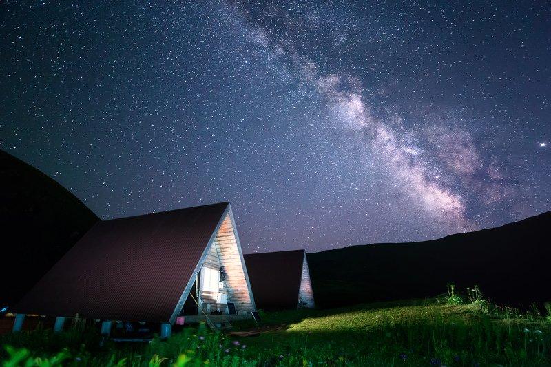 Сочи, горы, пейзаж, Красная Поляна, Бзерпский карниз, горы, лето, ночь, млечный путь Под звездной крышейphoto preview