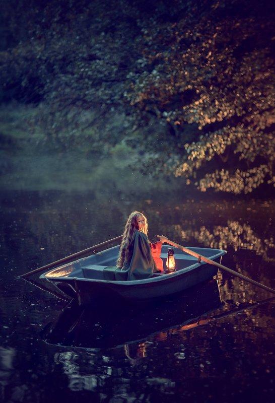 девочка, вечер, пруд, контровой, лето,  детский фотограф, портретный фотограф photo preview