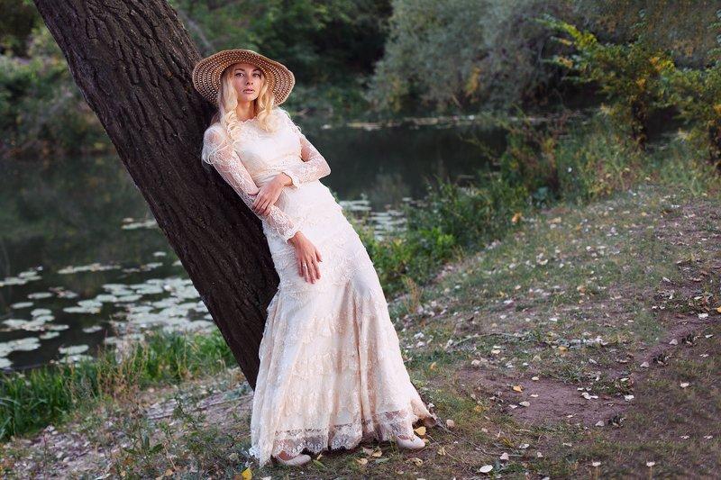 Дама в шляпкеphoto preview