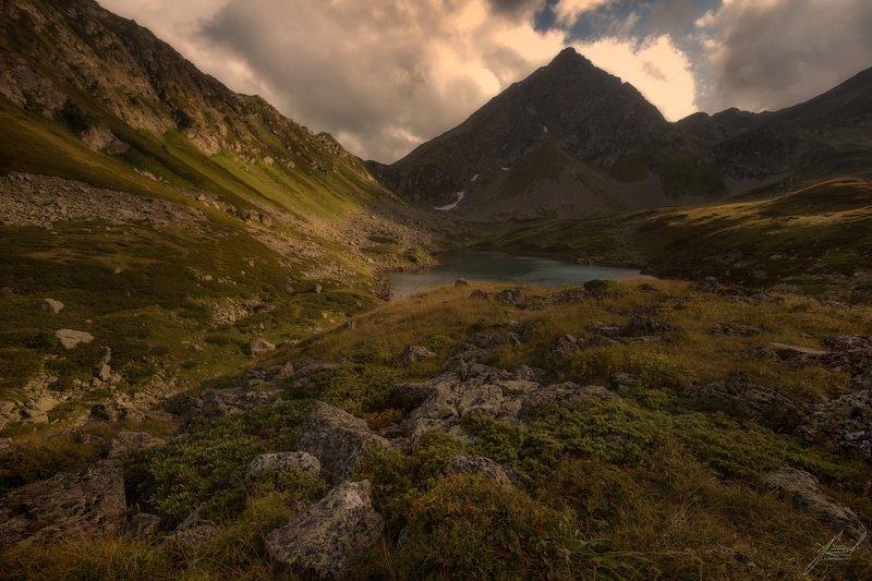 Озеро Сказка Кавказа.photo preview