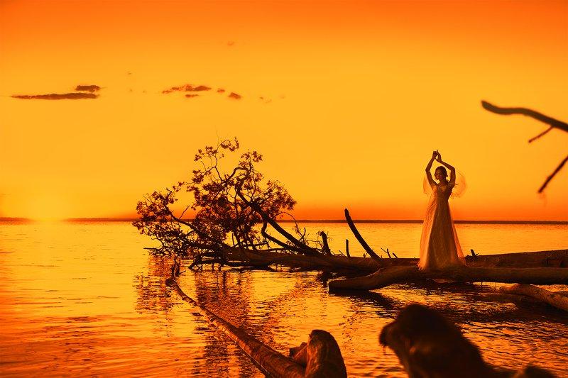 portrait, sunset, women, yellow, seaside, закат, портрет, девушка, желтый, побережье photo preview