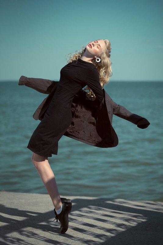 блондинка, portrait, nikon, model, fashion,sea,море, мода, девушка, модель, никон, россия, фото, фотография, глаза, губы, нежная, волосы, ветер, взгляд, веснушки Anastasiaphoto preview