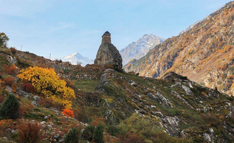 башня,осень,камни,валун,осень,пейзаж. Башня старого Аула..photo preview
