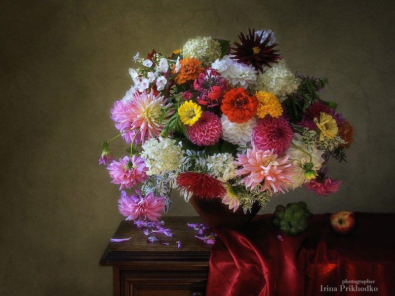 натюрморт, букет, барокко стиль, цветочный, смешанный букет, ретро, винтаж Цветочный натюрморт в стиле бароккоphoto preview