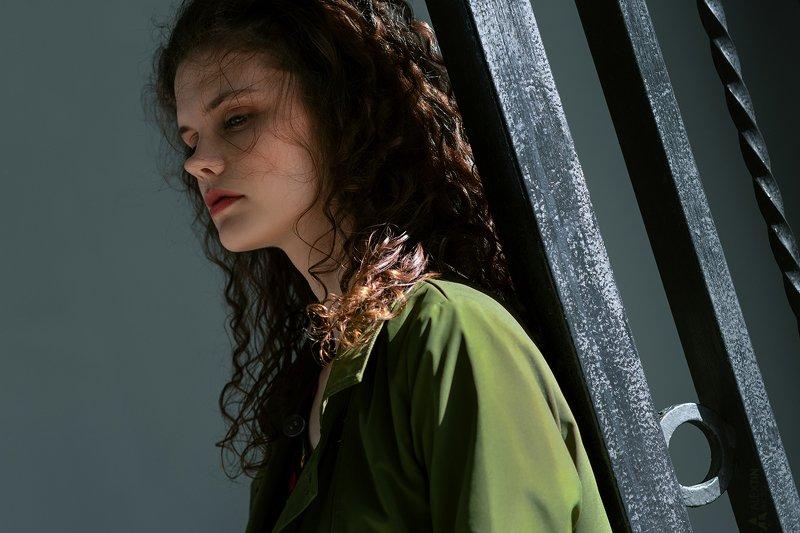 портрет, девушка, улица Марияphoto preview