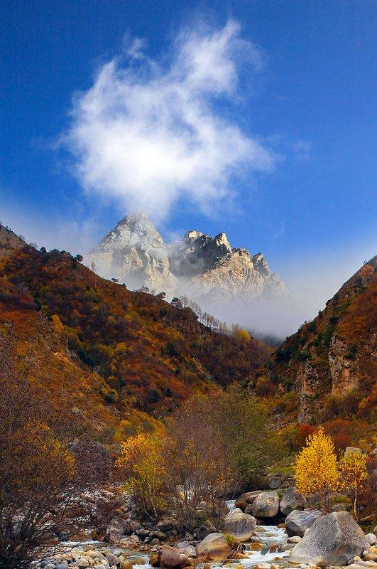 горы,пейзаж.туман,черекское ущелье,балкария,верхняя балкария,кабардино балкария, Горный пейзаж..photo preview