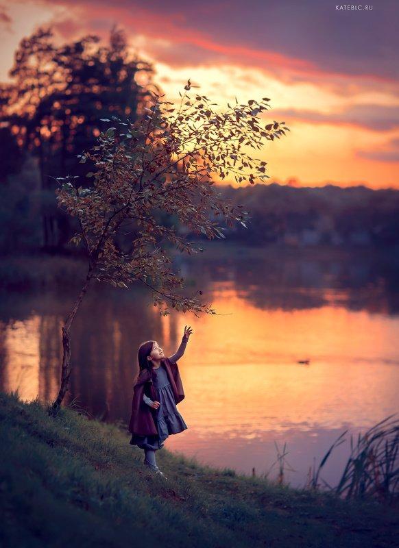 девочка, вечер, закат, детский фотограф, отражения, пруд После закатаphoto preview