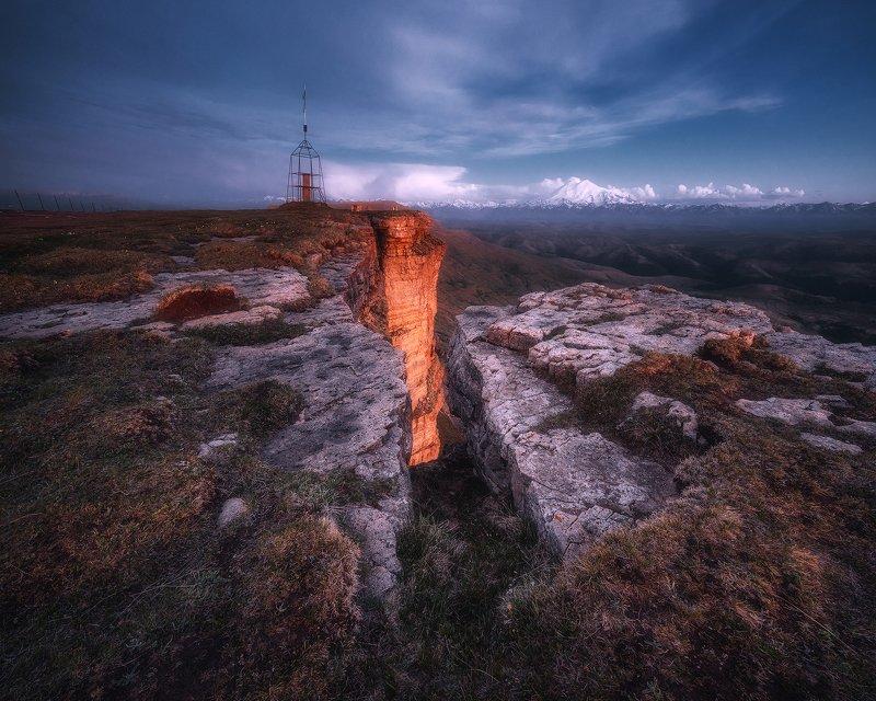 закат, горы, плато, кавказ, пейзаж, карачаево-черкесия, бермамыт, эльбрус На страже вечностиphoto preview